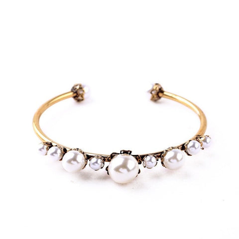 LAURA BLING PEARL BANGLE BRACELET - SWANL