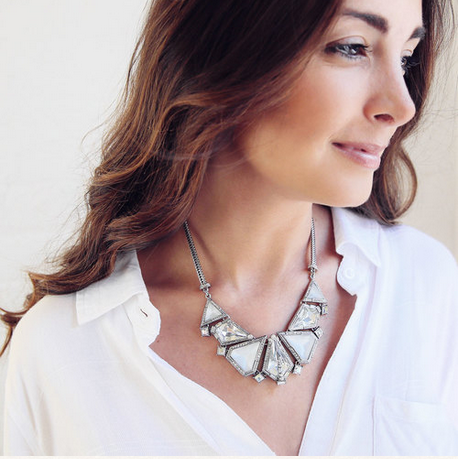 WITNEY STATEMENT NECKLACE - SWANL
