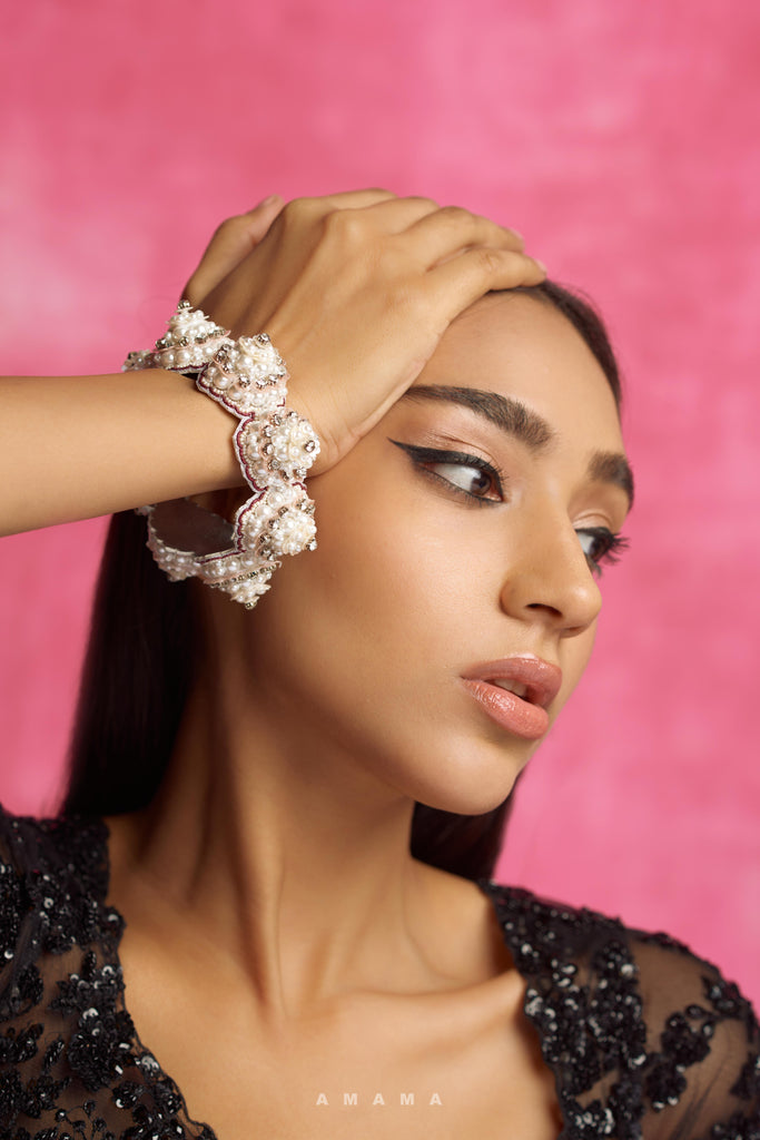 AROHI EARRINGS