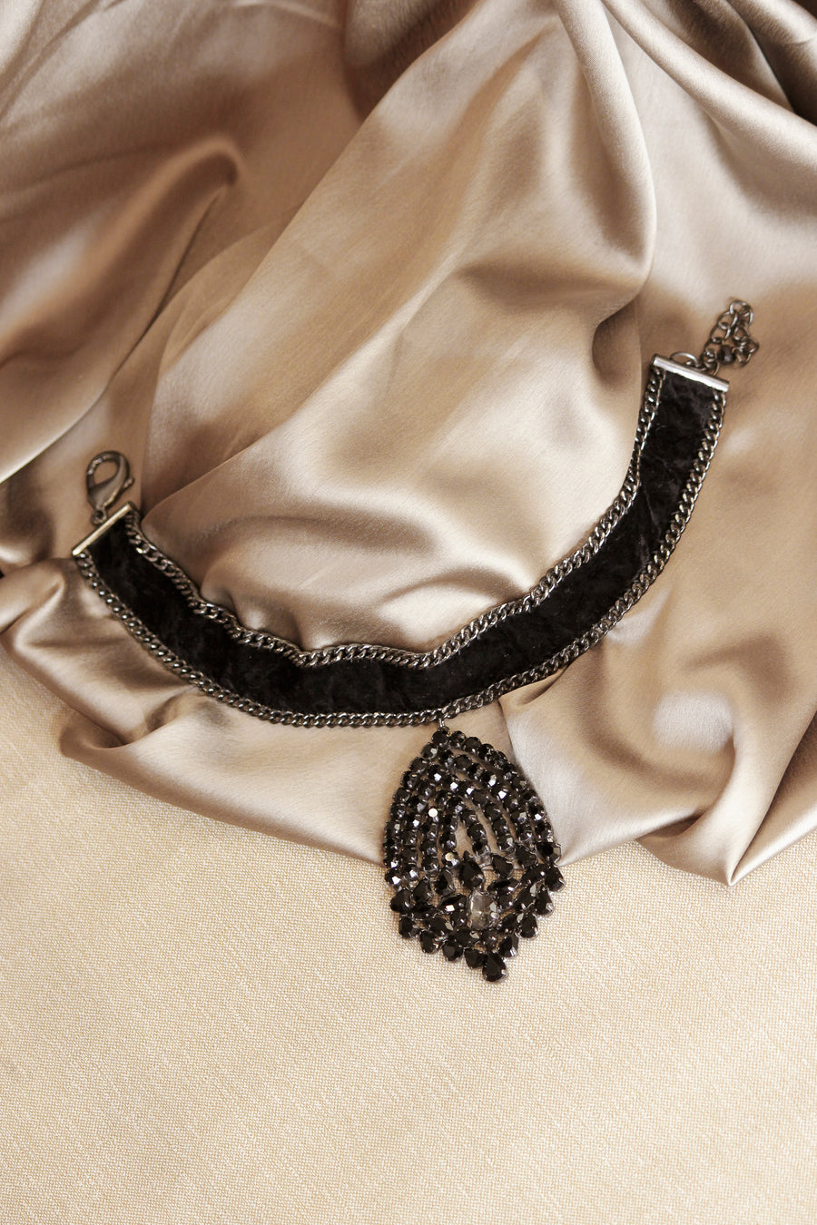 Black Crystal Leaf Choker