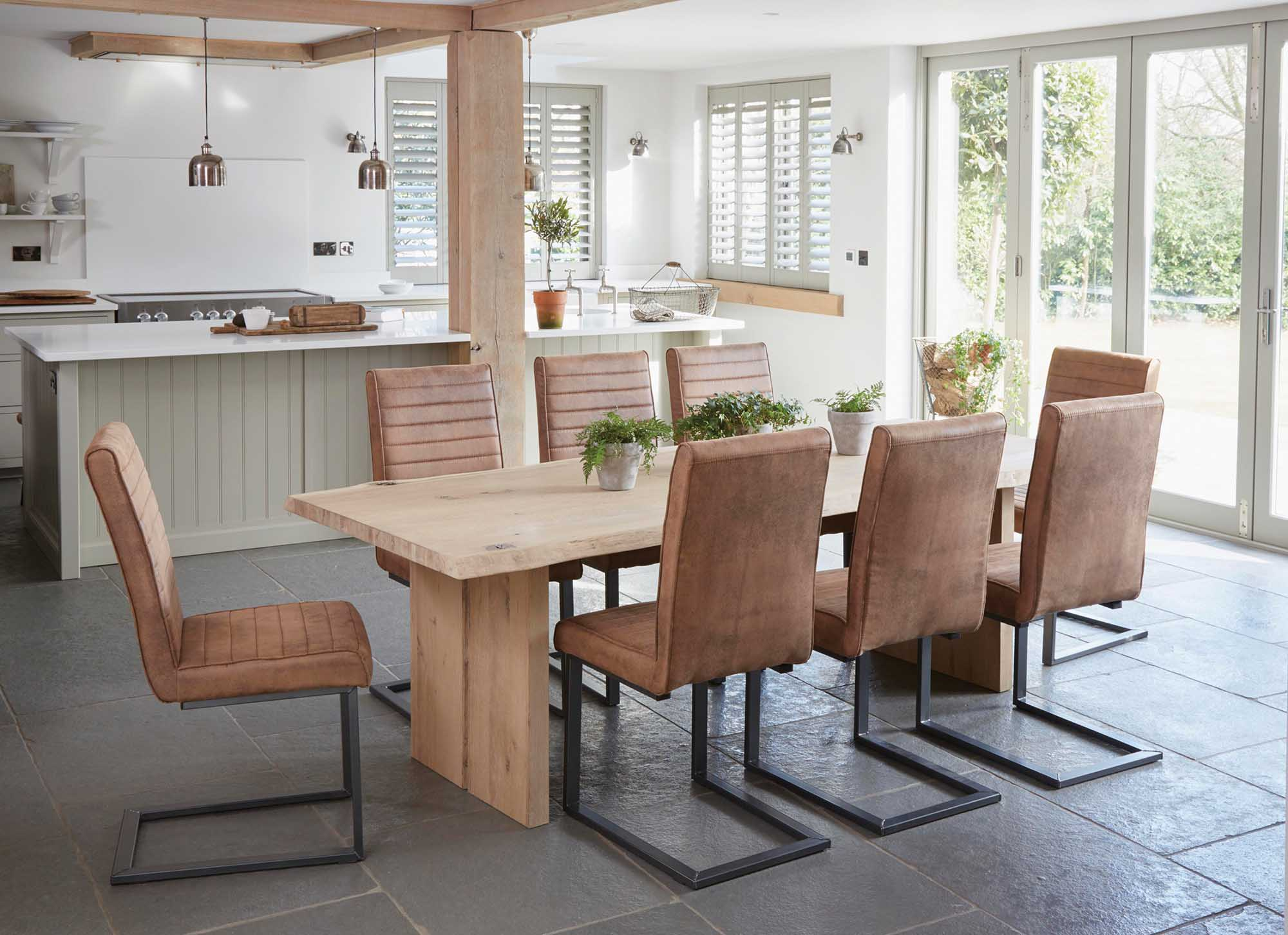 Oak Mill Dining Room | Roseland Furniture