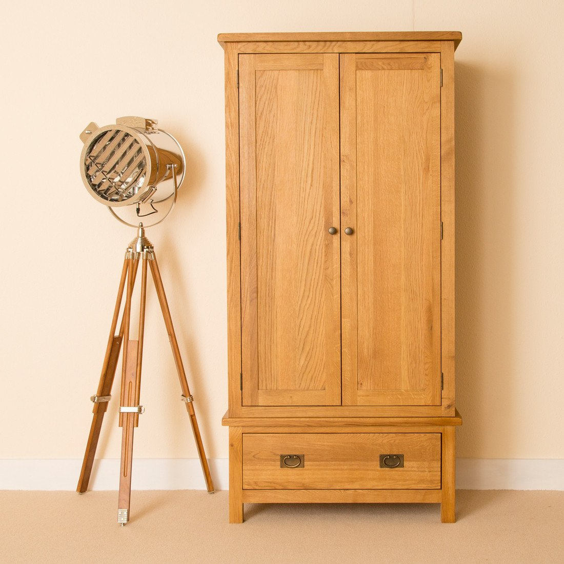 Lanner Oak - Rustic Waxed Oak