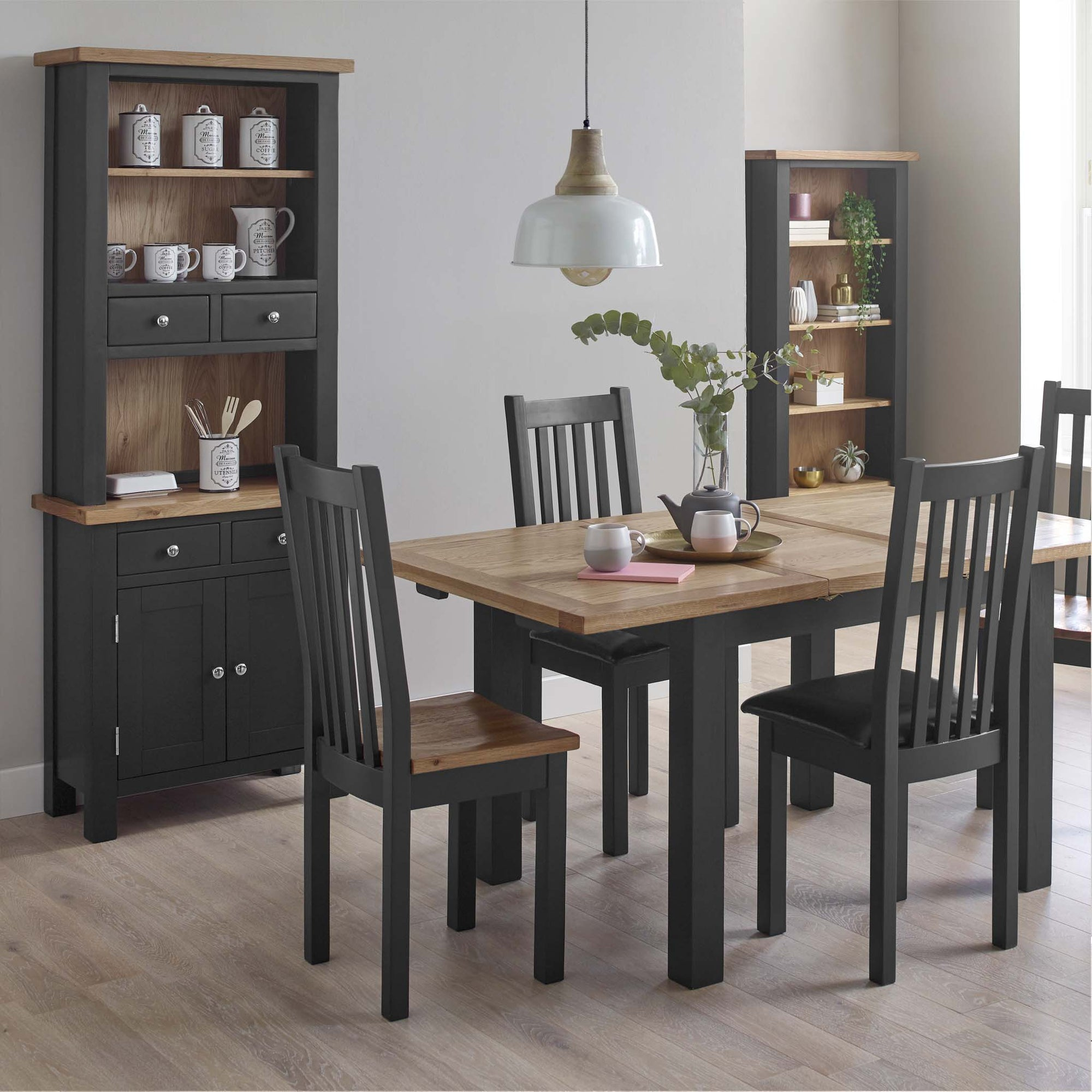 Charlestown Black by Roseland Furniture