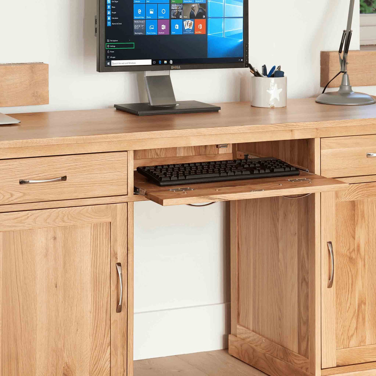 Keyboard shelf of Mobel Oak Large Desk