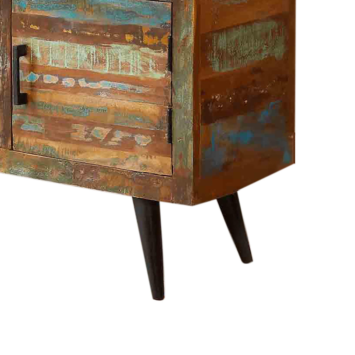 Coastal Chic Large Sideboard - Close Up of Legs