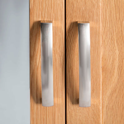 Abbey Light Oak 3 Door Triple Wardrobe with Drawers - Close up of wardrobe door handles