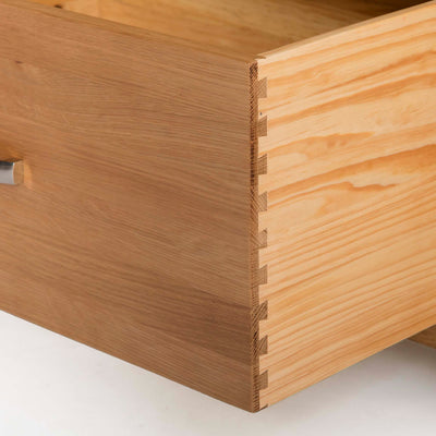 Abbey Light Oak 3 Door Triple Wardrobe with Drawers - Close up of dovetail joint on drawers