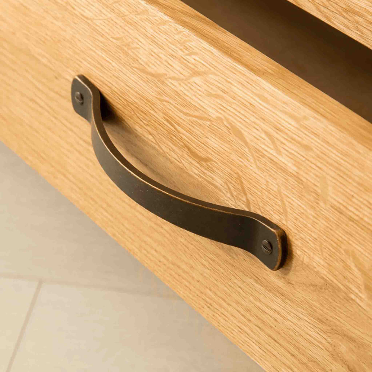 Metal handle view of The Abbey Waxed Oak Corner TV Stand by Roseland Furniture