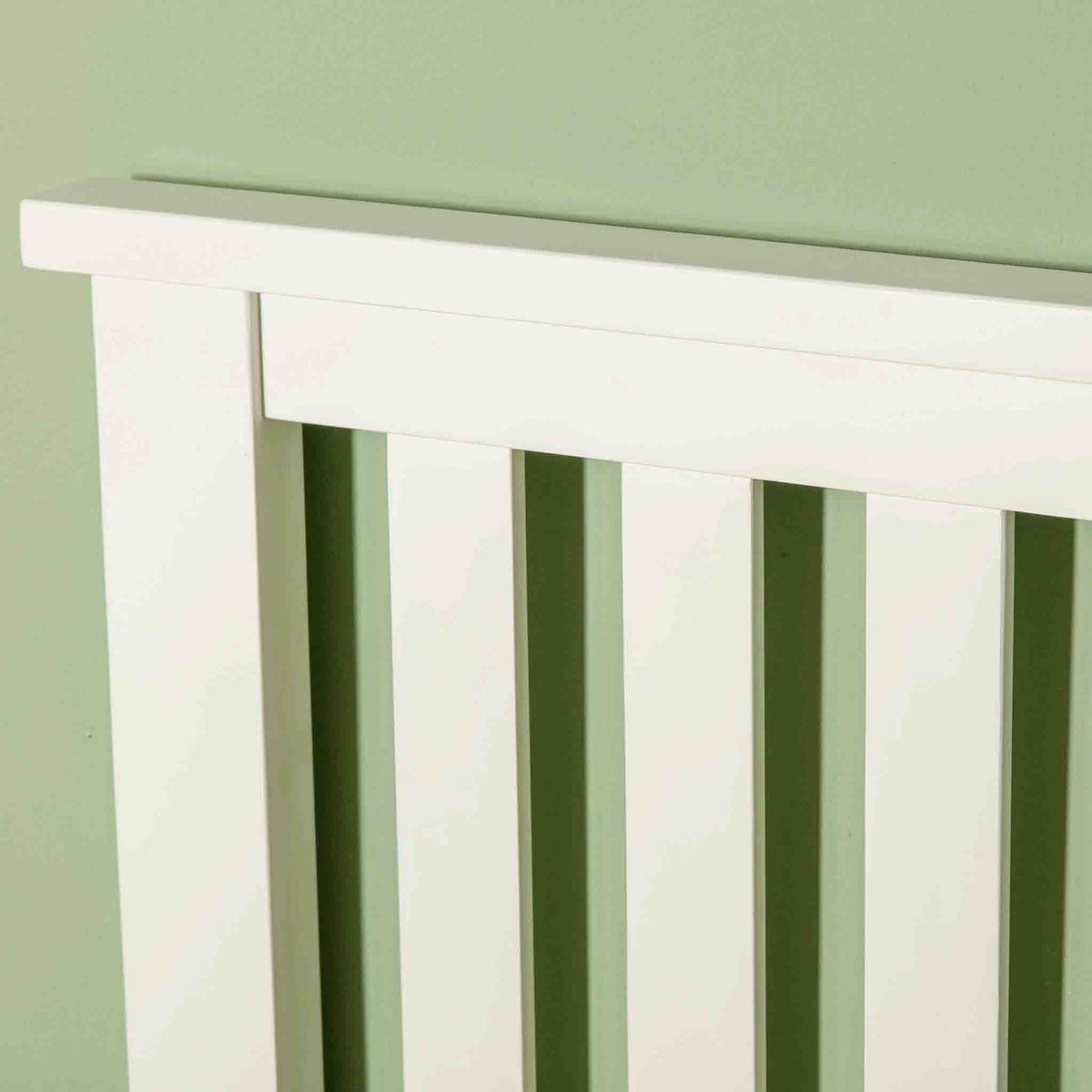 Close up of headboard on Cornish White 3 ft Single Wooden Bed Frame