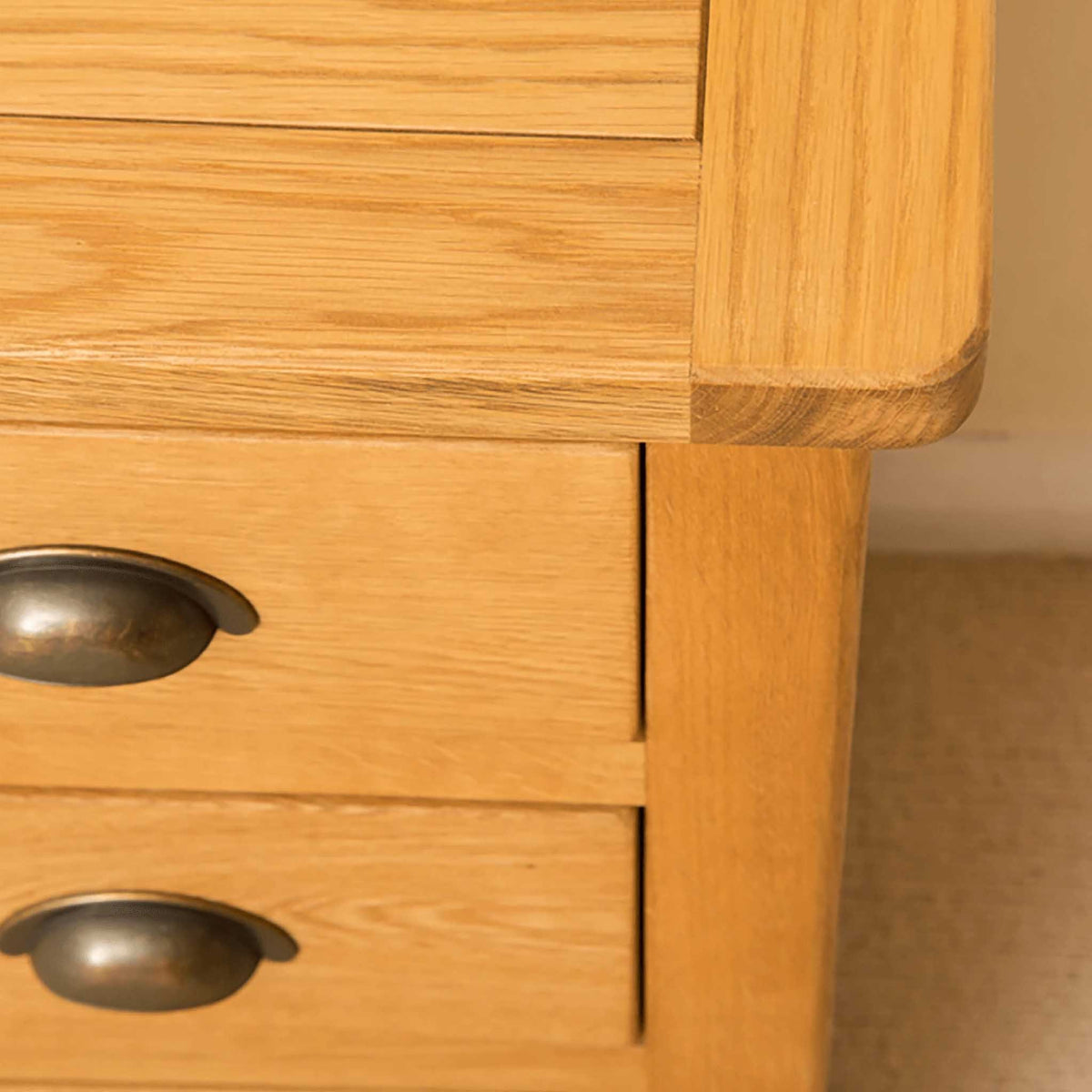 Top corner of Roseland Oak Bedside Table