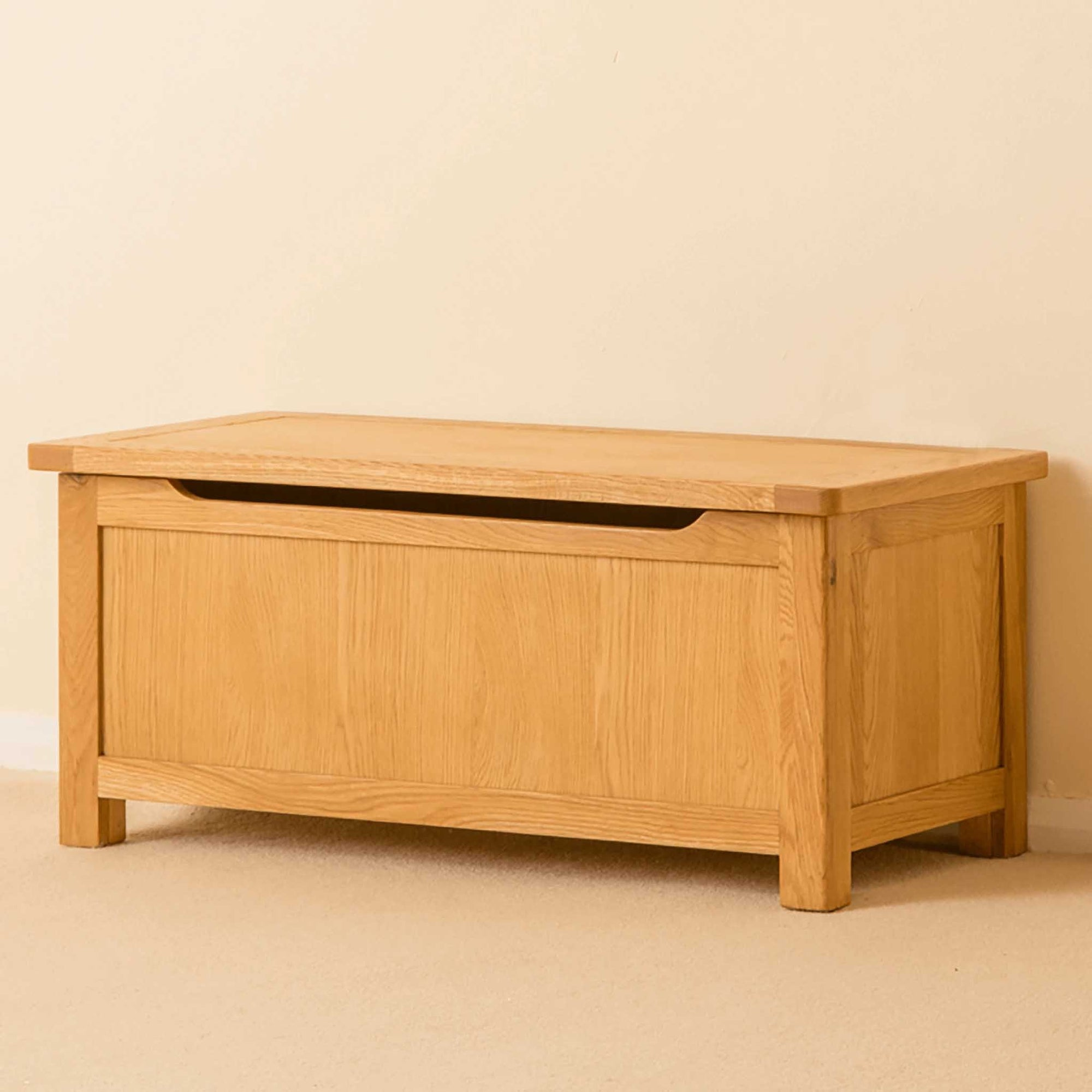 Roseland Oak Blanket Box by Roseland Furniture