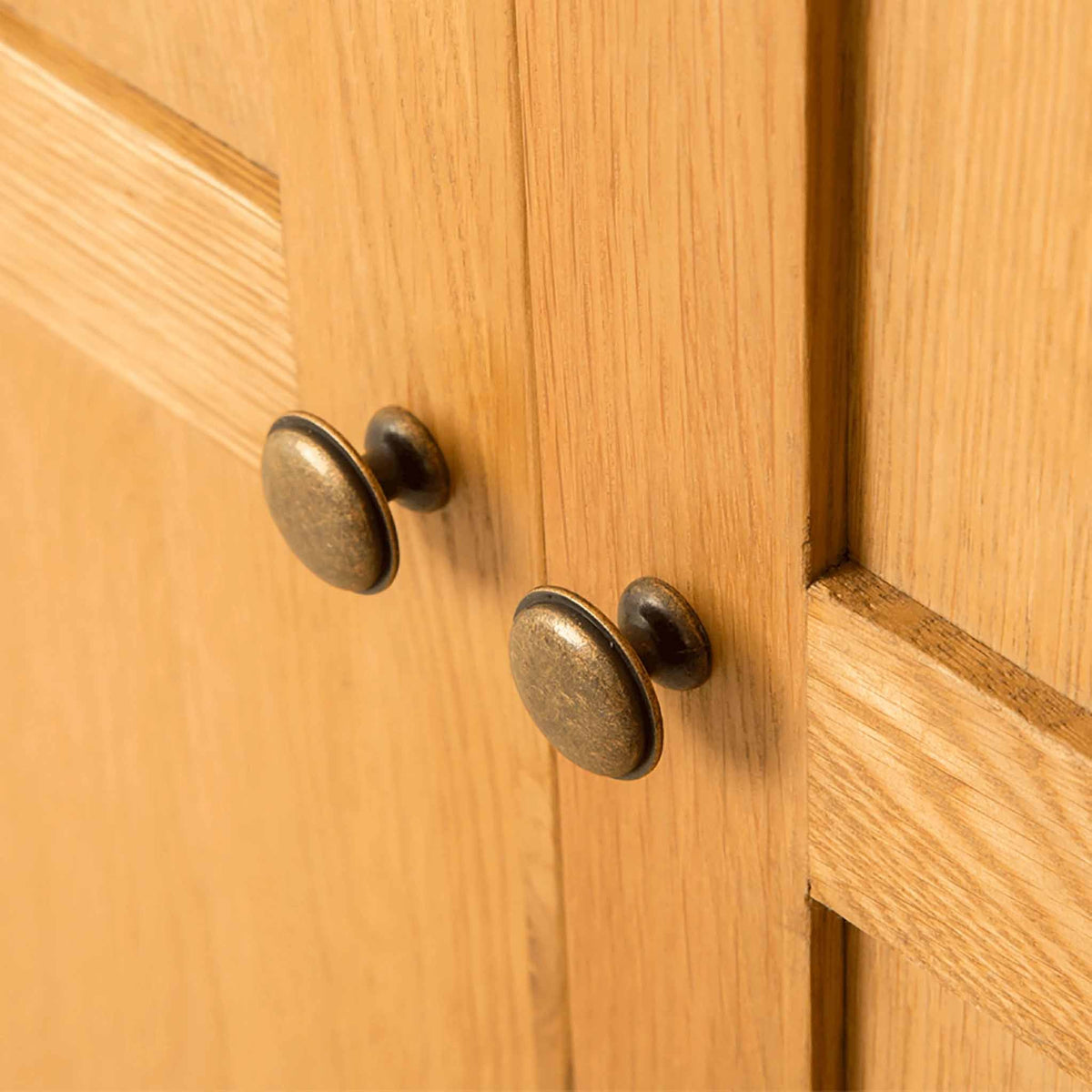 Door handles of Roseland Oak Double Wardrobe