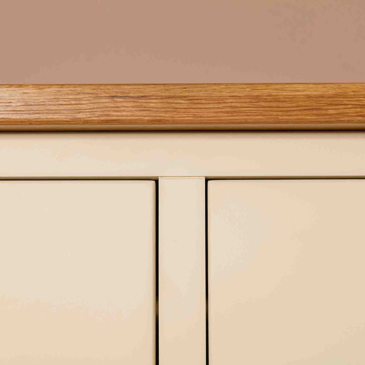 Close up of Oak top edge on  The Padstow Cream Wooden Chest of Drawers