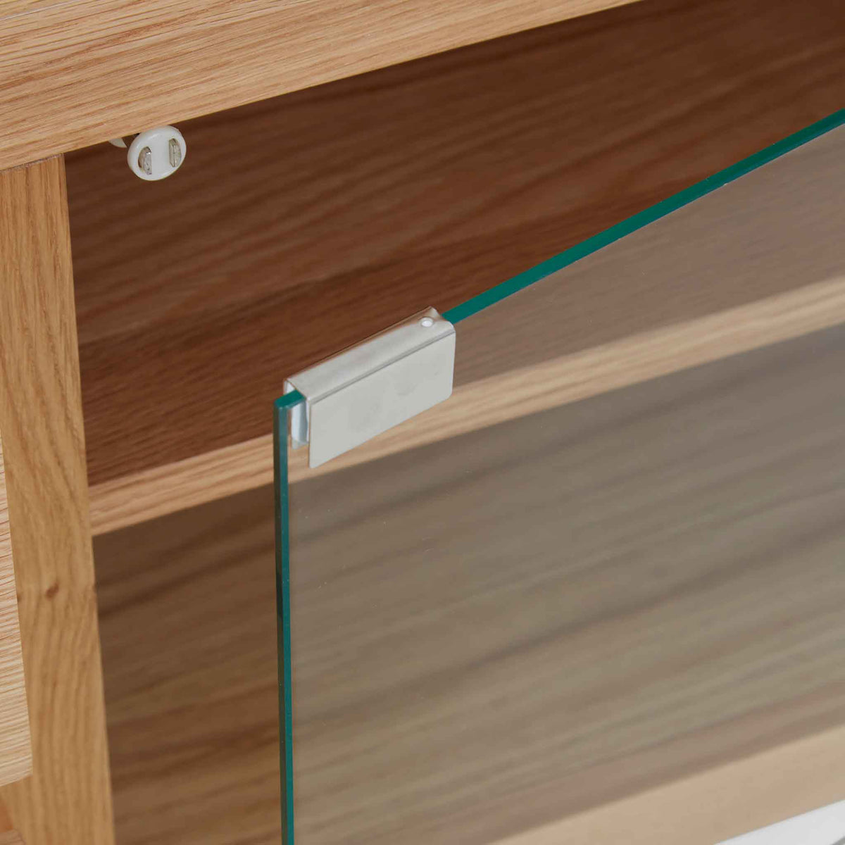 Close up of magnetic door on the Falmouth Oak 90cm TV Stand
