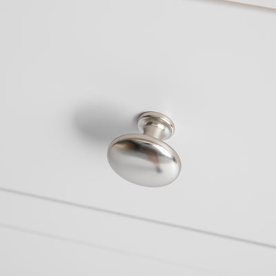Close up of the metal silver drawer handle on the Farrow Grey Coffee Table