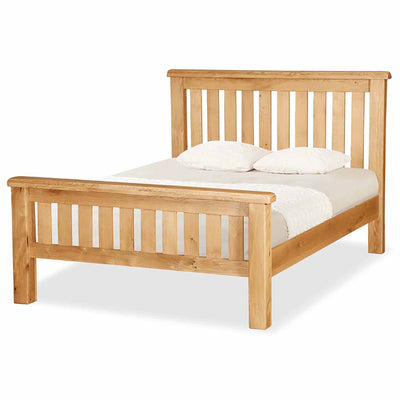 Zelah Oak 4'6 Slatted Bed by Roseland Furniture