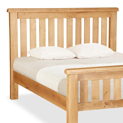 Zelah Oak 4'6 Slatted Bed - Close Up of Header of Bed