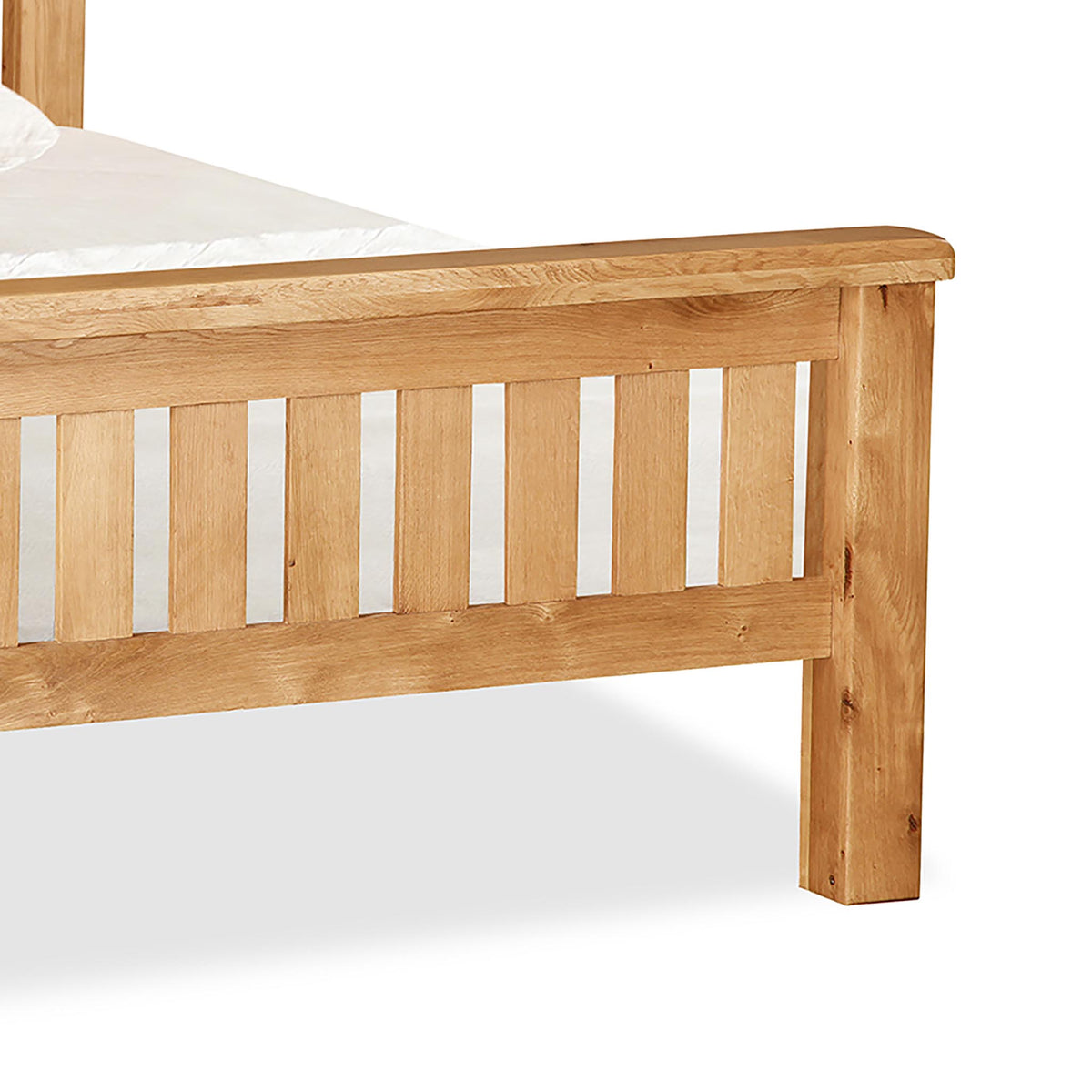 Zelah Oak 4'6 Slatted Bed - Close Up of Footer of Bed