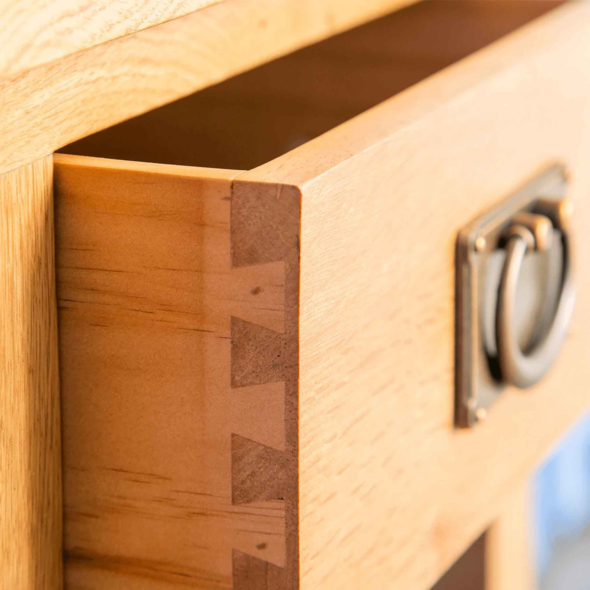 Drawer dovetail joint - Surrey Oak Telephone Table