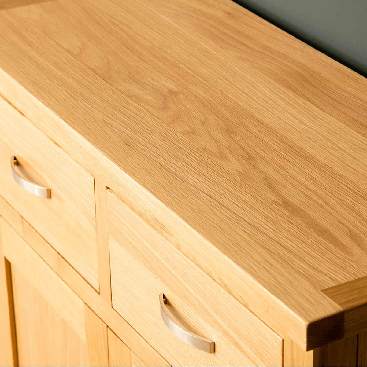 Wood grain on a London Oak Small Sideboard.