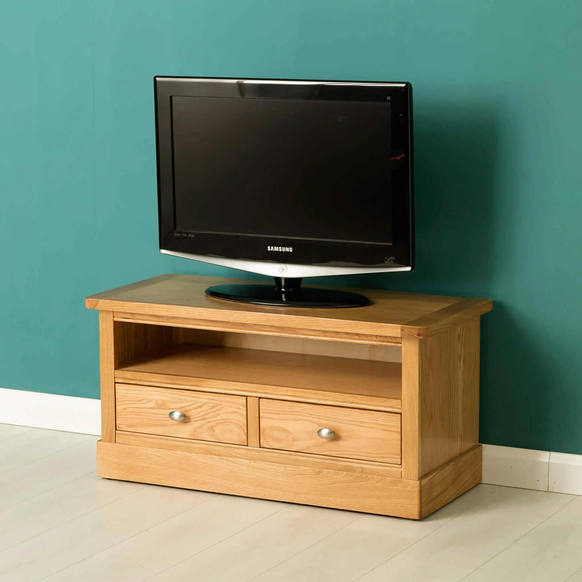 Hampshire Oak 90cm TV Stand / Unit by Roseland Furniture