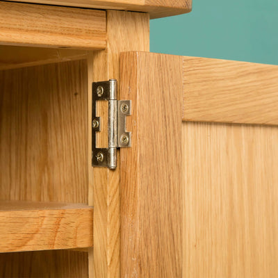 Hampshire Oak 120 cm TV Stand door hinge view