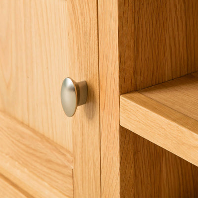 Hampshire Oak 120 cm TV Stand door close up view