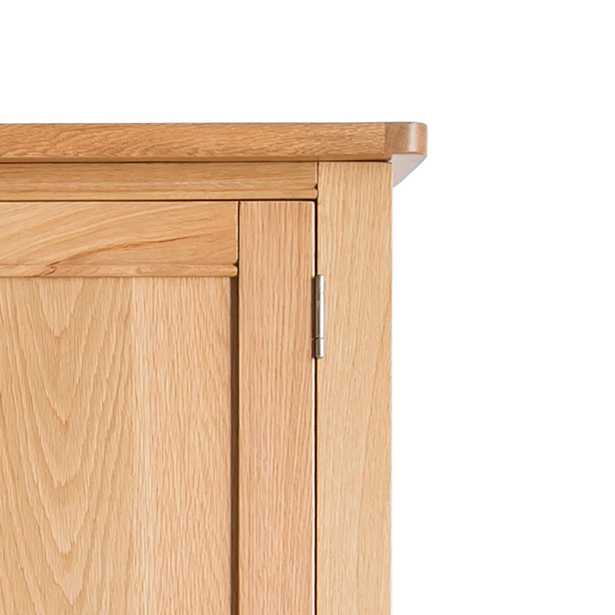 Hampshire Oak Triple Wardrobe with Drawers - Close up of top of wardrobe