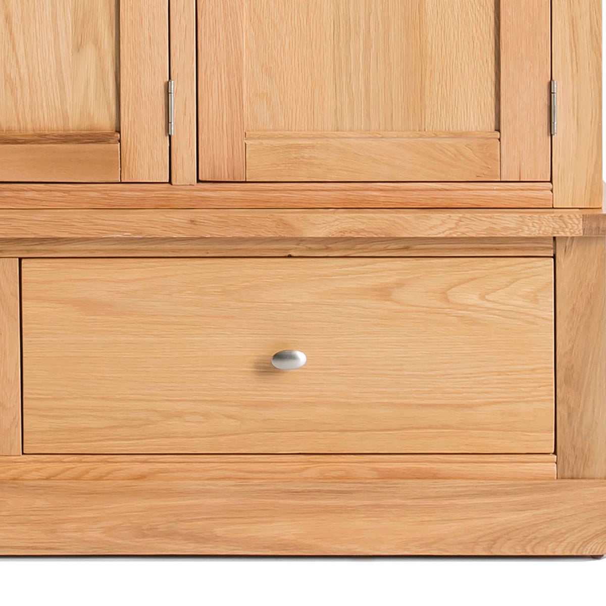 Hampshire Oak Triple Wardrobe with Drawers - Close up of lower drawer front