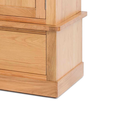 Hampshire Oak Triple Wardrobe base of door view