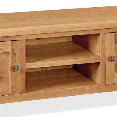 Sidmouth Oak 120cm TV Stand - Close Up of Middle Shelving Section