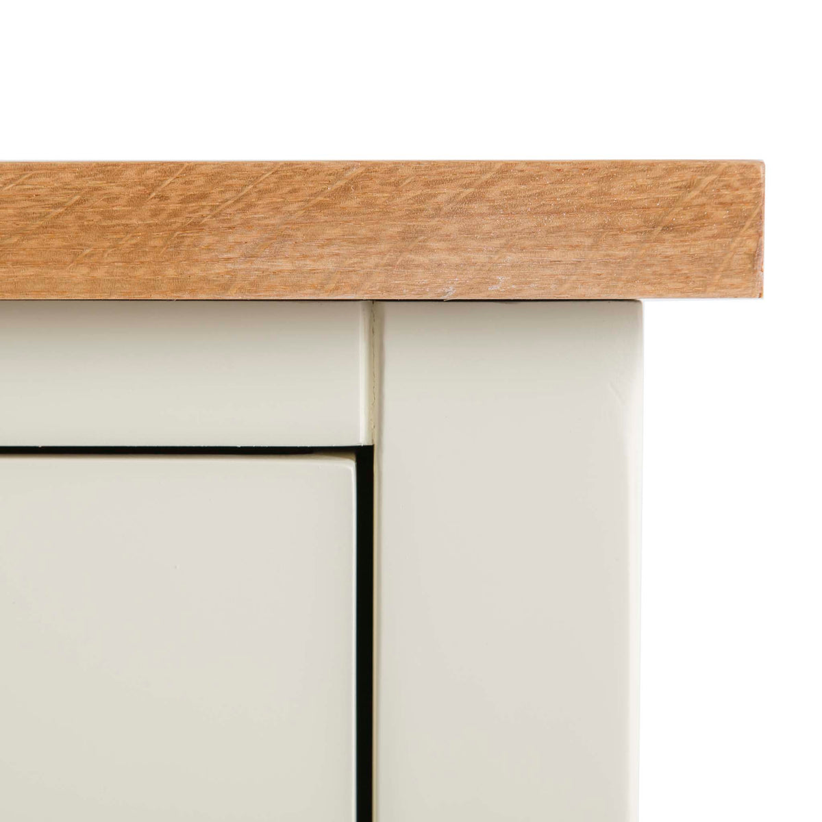 Farrow Cream 2 over 3 drawer chest of Drawers - Close up of Oak Top Corner