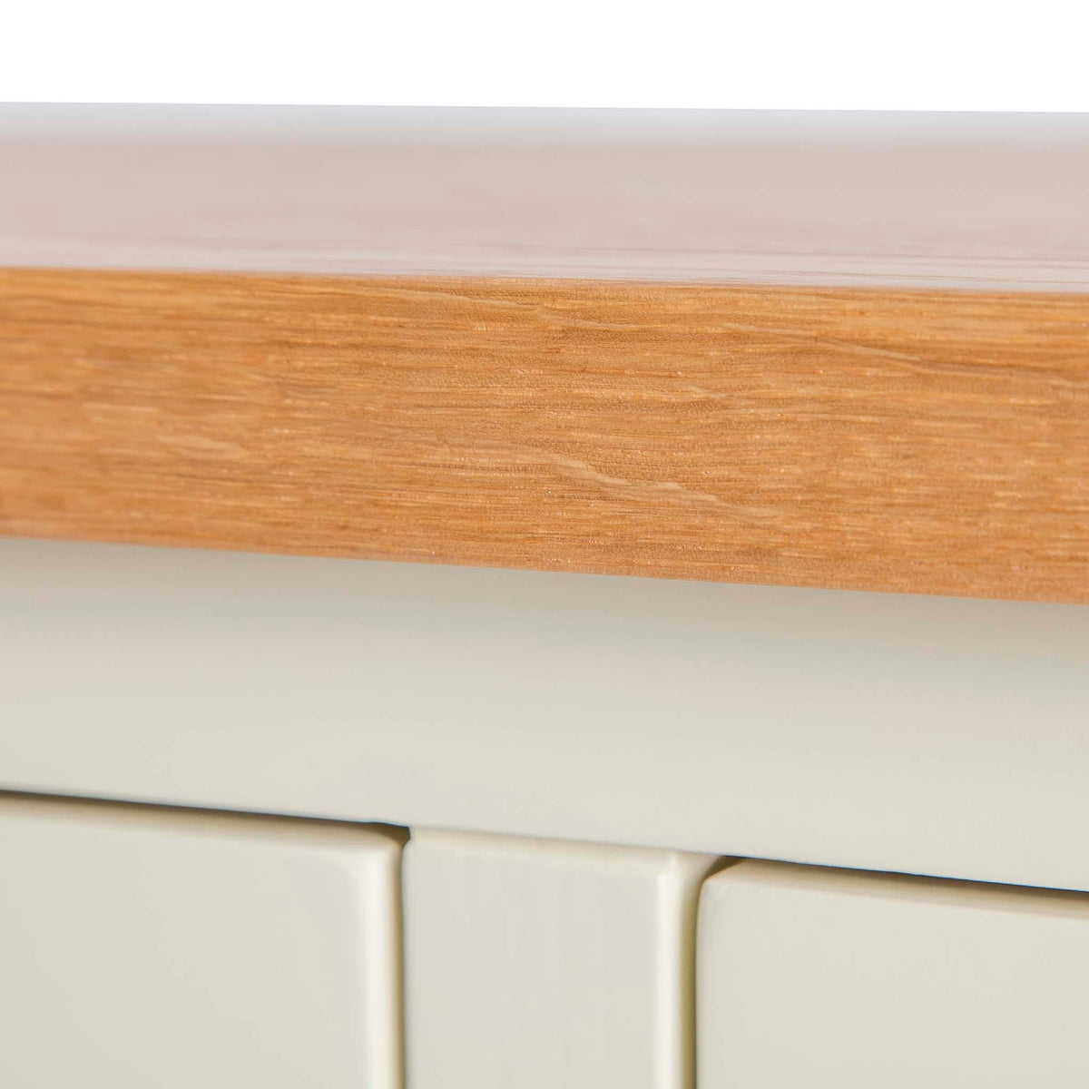 Farrow Cream 2 over 3 drawer chest of Drawers - Close up of Oak
