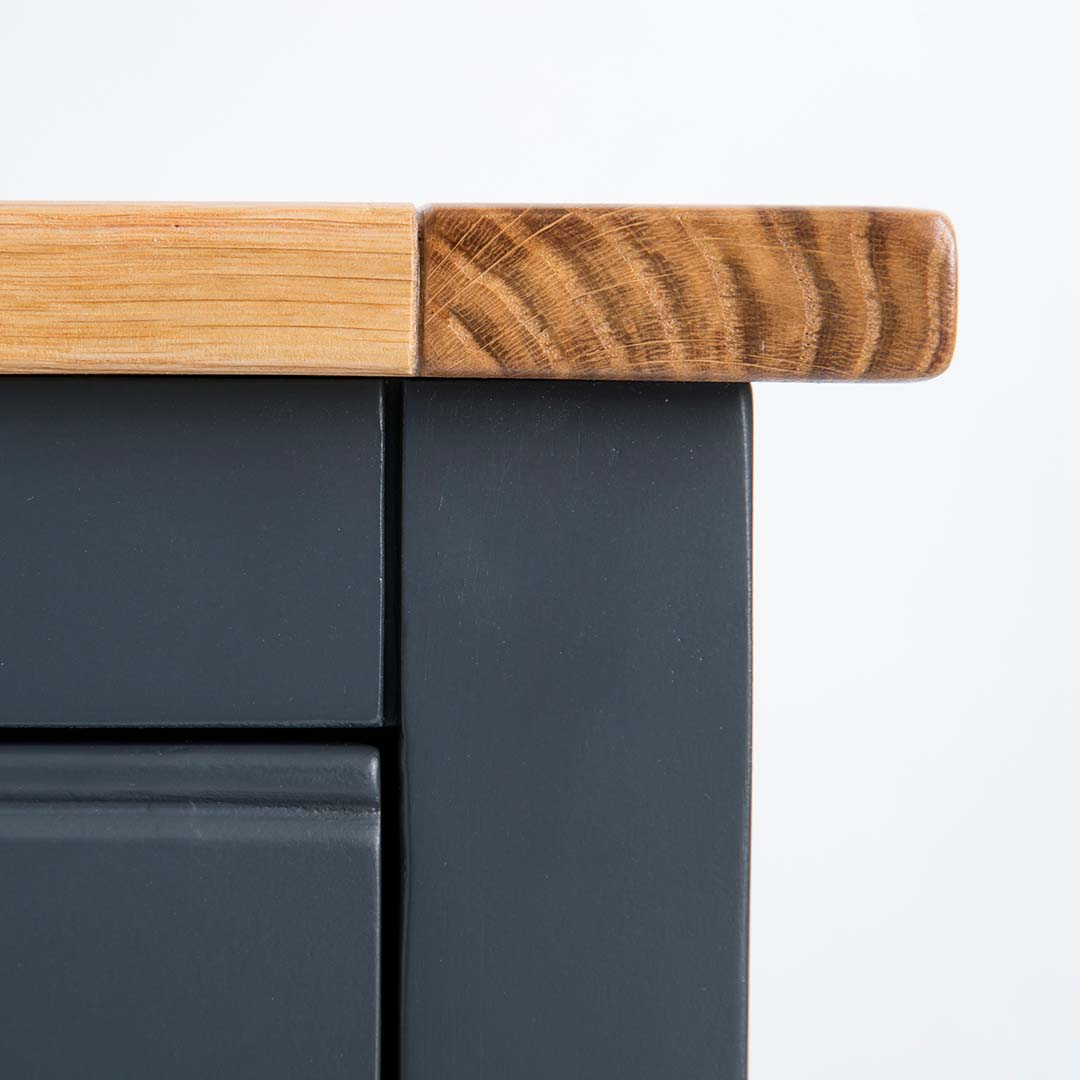 Close up of the oak corners edge on the Chichester Charcoal Extra Large Sideboard