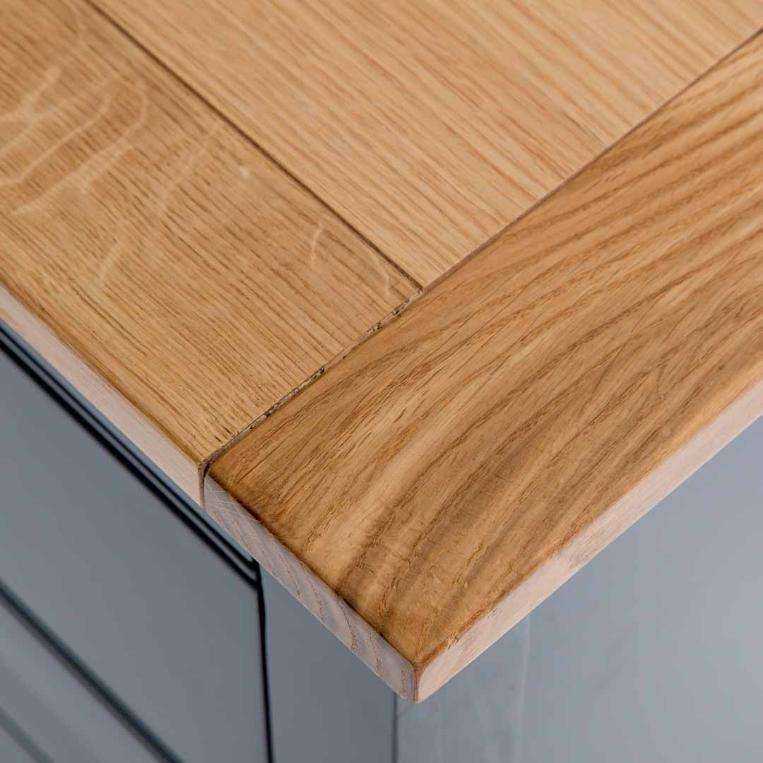 Close up of the oak top wood grain on the Chichester Charcoal Extra Large Sideboard
