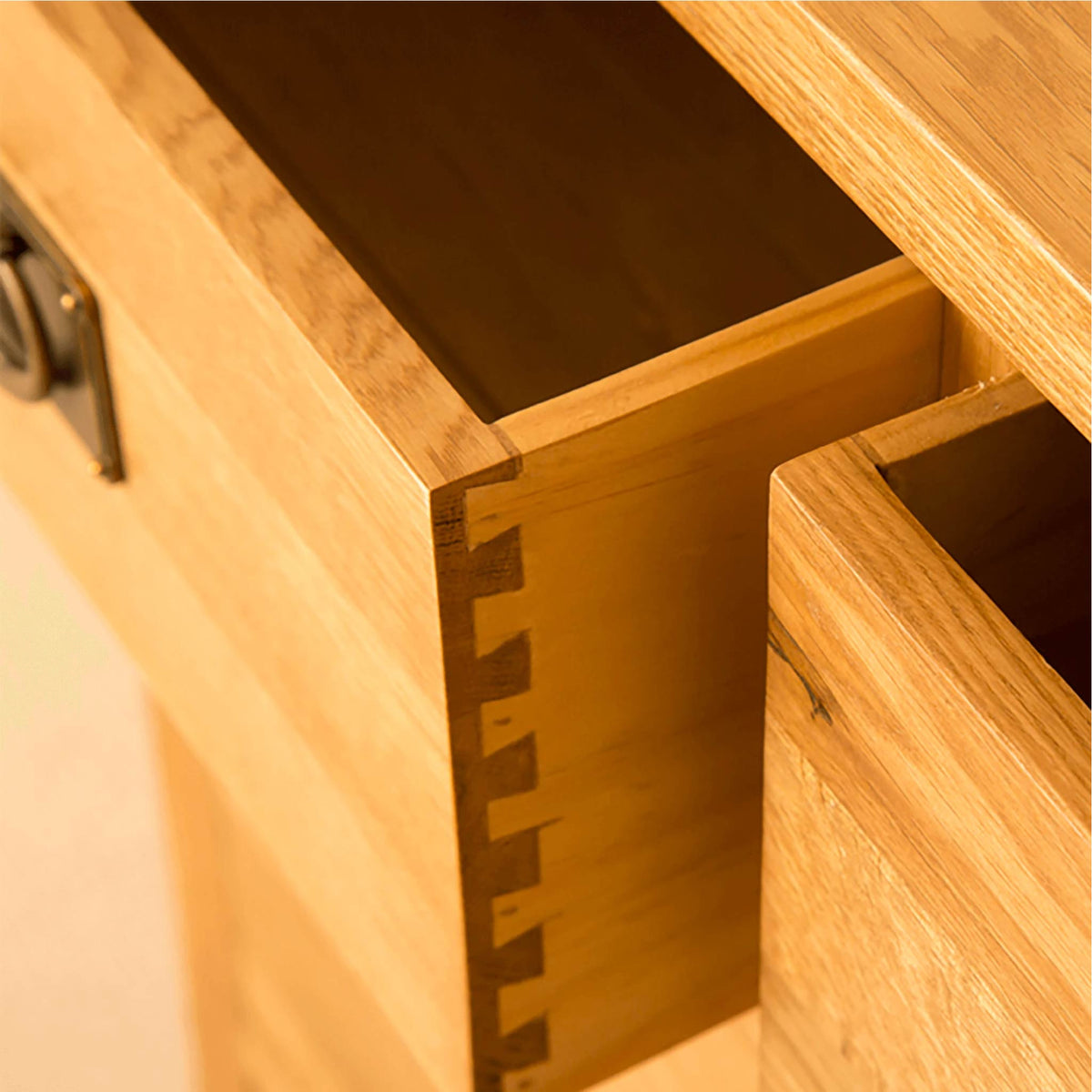 Lanner Oak Console Table drawer dovetail joint view