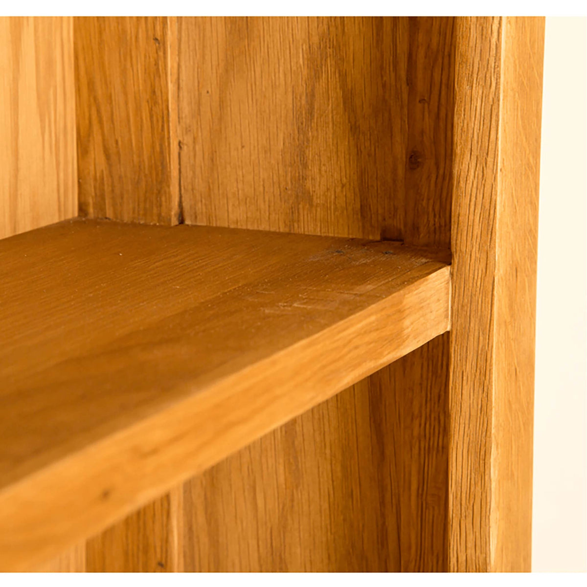 Lanner Oak Large Bookcase shelf view