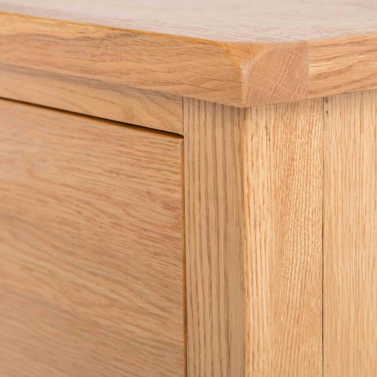 close up of solid wood frame of the Surrey Oak Large Chest Of Drawers