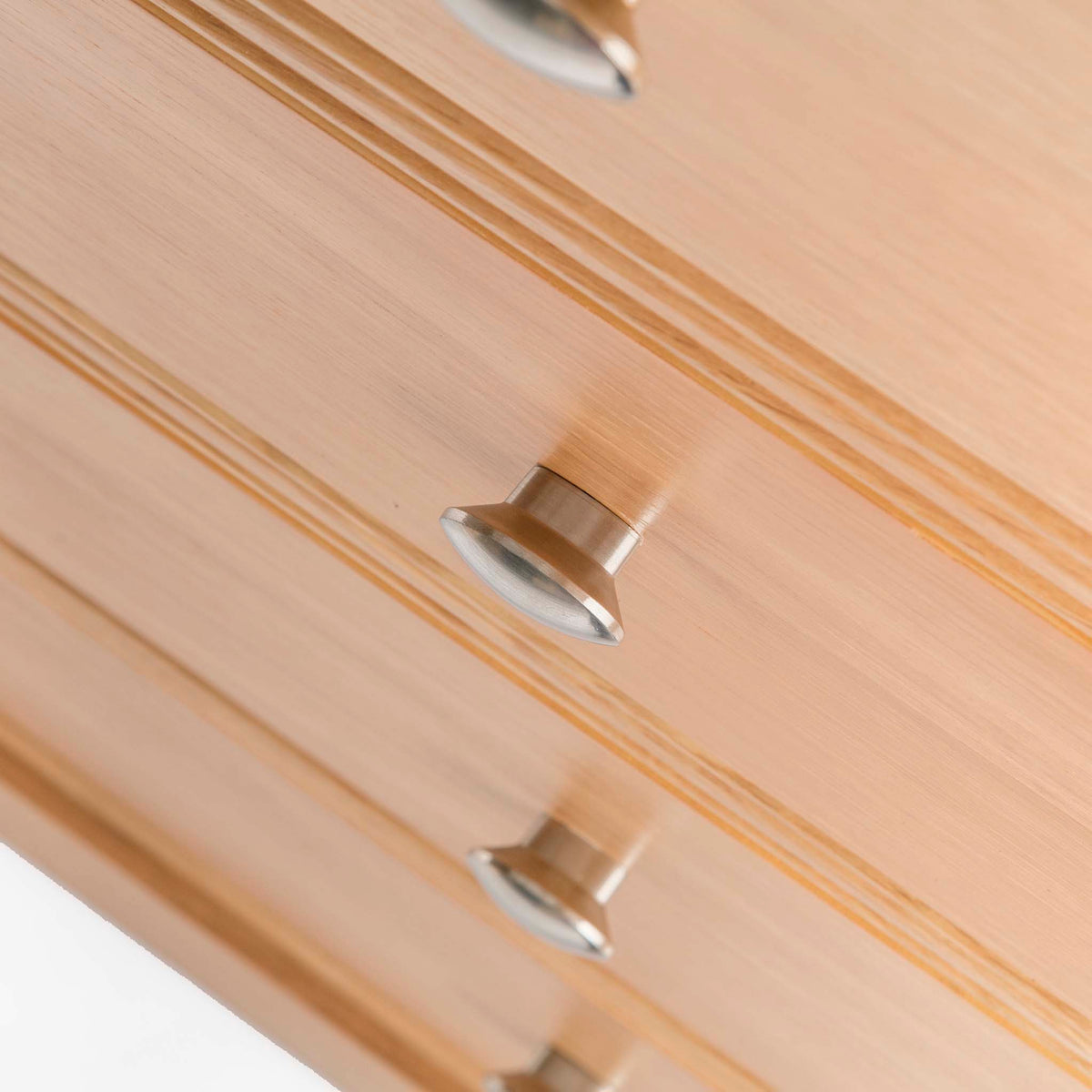 Hampshire Oak 2 over 3 Drawer Chest of Drawers - Close up of drawer fronts, looking down on
