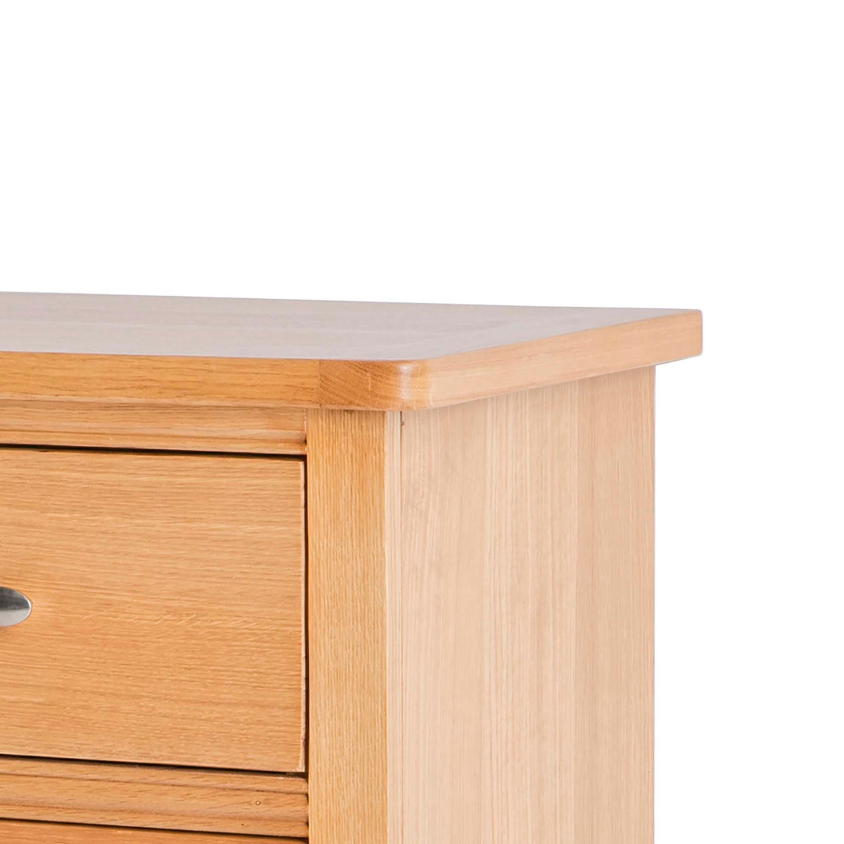 Hampshire Oak 2 over 3 Drawer Chest of Drawers - Close up of top