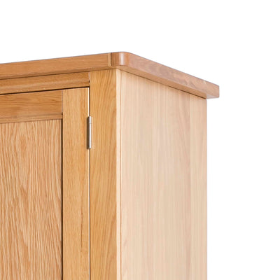 Hampshire Oak Double Wardrobe with Drawer - Close up of top of wardrobe