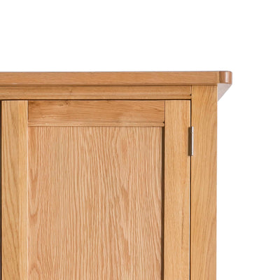 Hampshire Oak Double Wardrobe with Drawer - Close up of front top of wardrobe