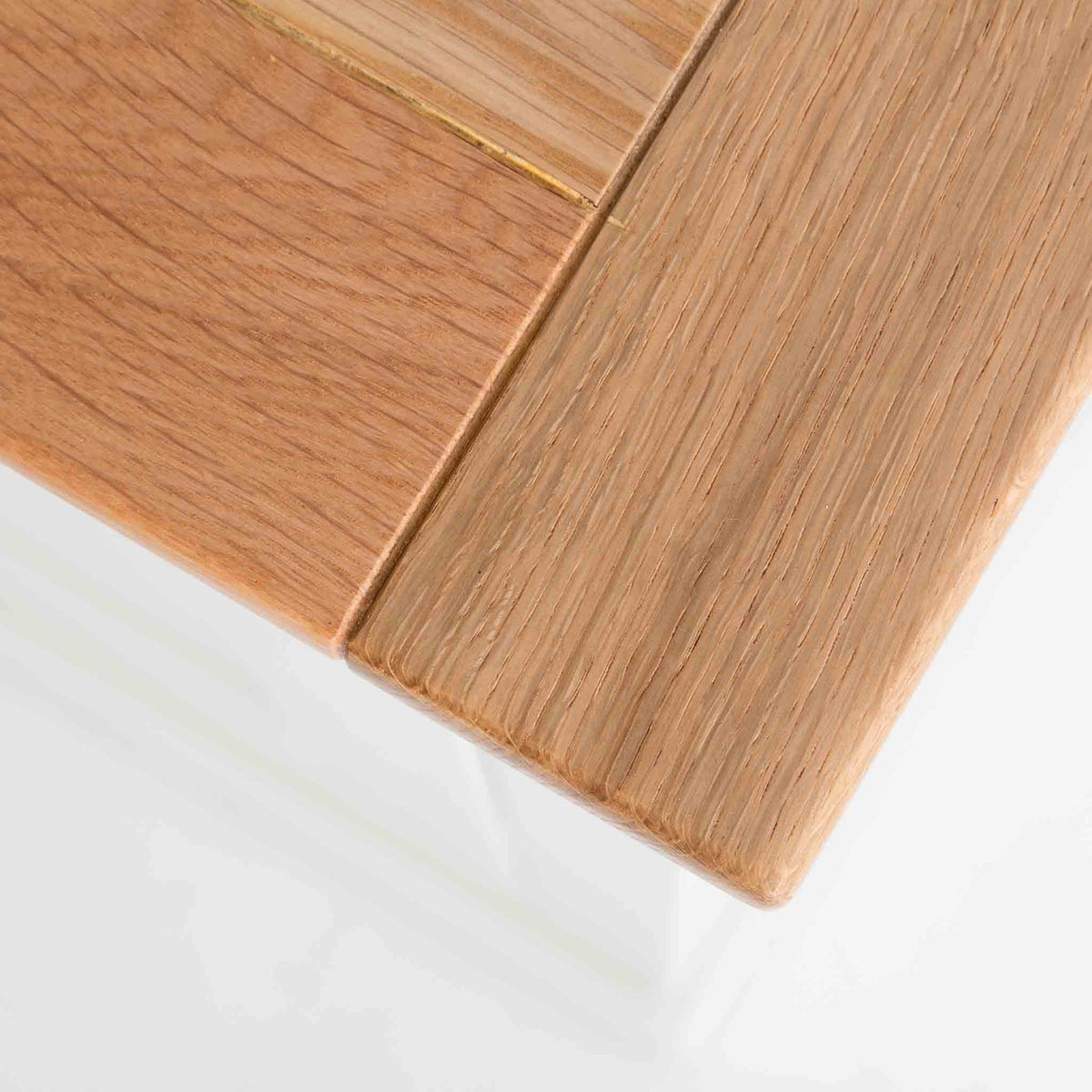 Close up of oak top wood grain on the Chichester Ivory Cream Mini Cupboard