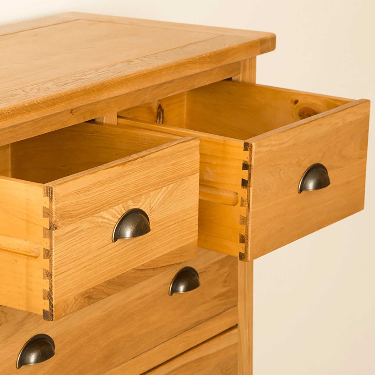 Drawers with dovetail joints - Roseland Oak 2 Over 4 Drawer Chest