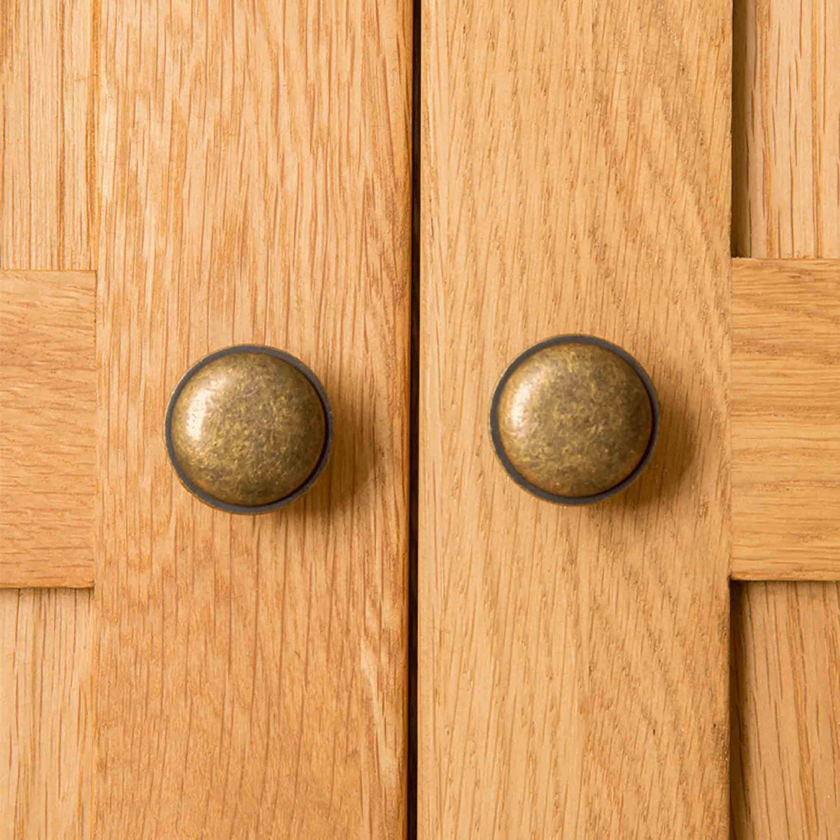 Door handles of Roseland Oak Double Wardrobe & Drawers