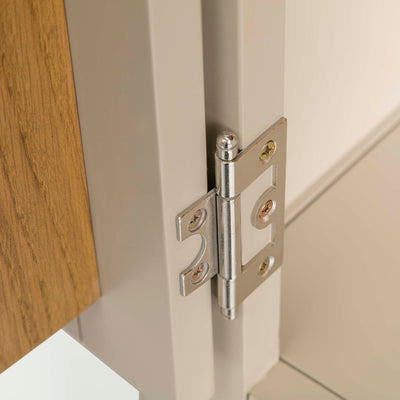 Padstow Cream Large Kitchen Larder Unit - View of  door hinge on larder doors