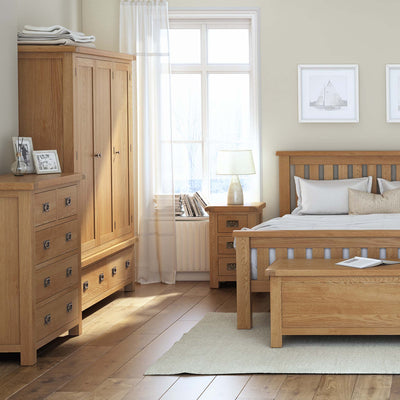 Zelah Oak Large Triple Wardrobe with Drawers - Lifestyle