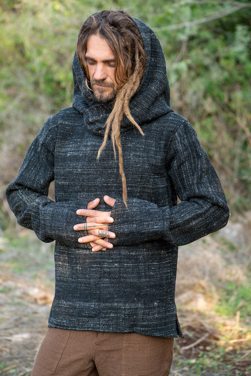 Black Pullover ⫸ Handwoven Himalayan Wool