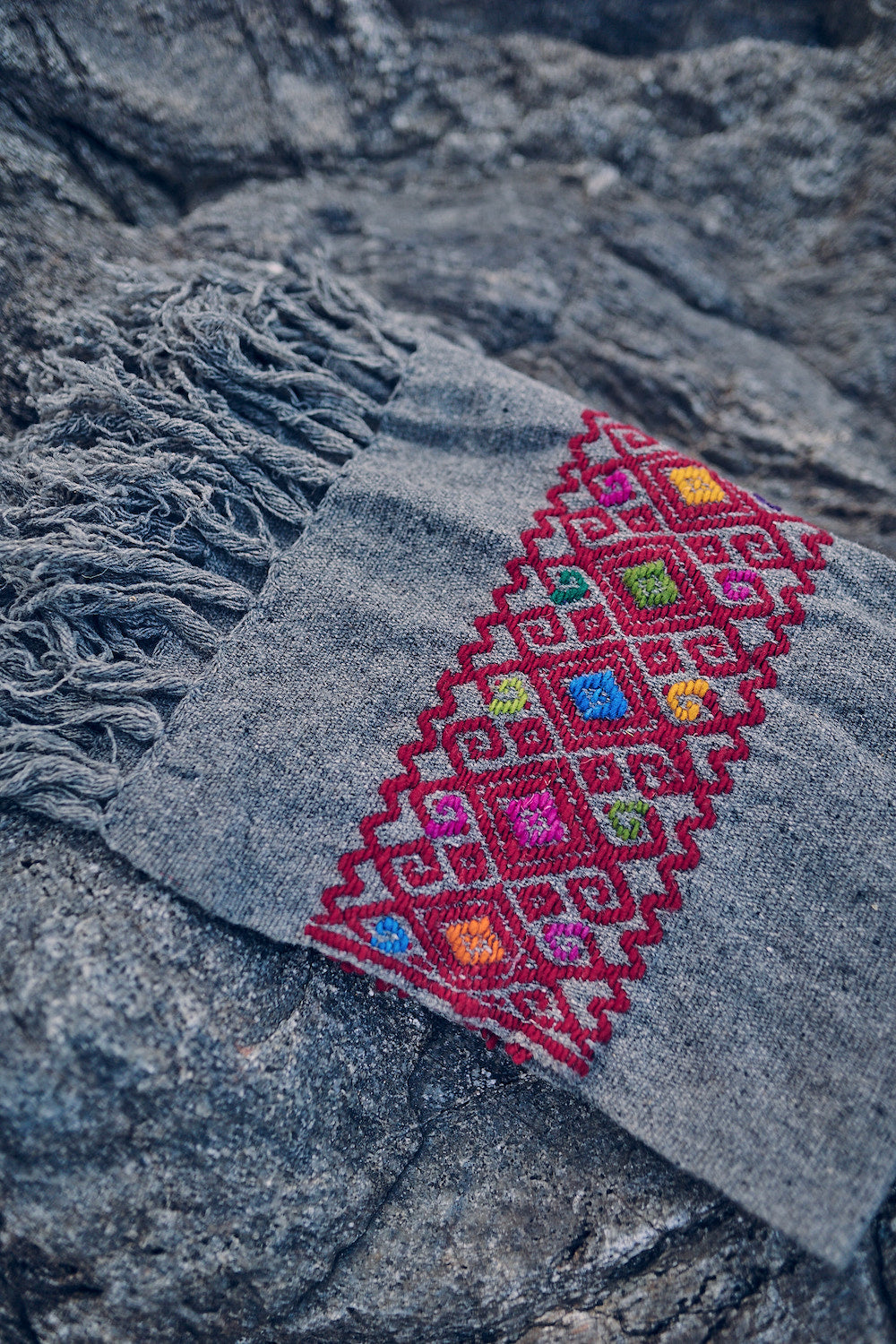 Grey Handloom Wool Shawl ⋙⋘ with Hand Embroidery ⋙⋘