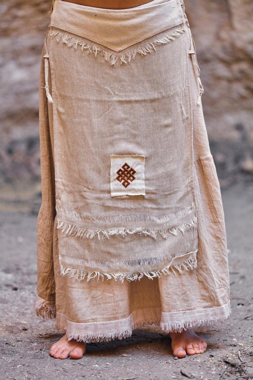 Frayed cotton panel skirt with embroidery patch